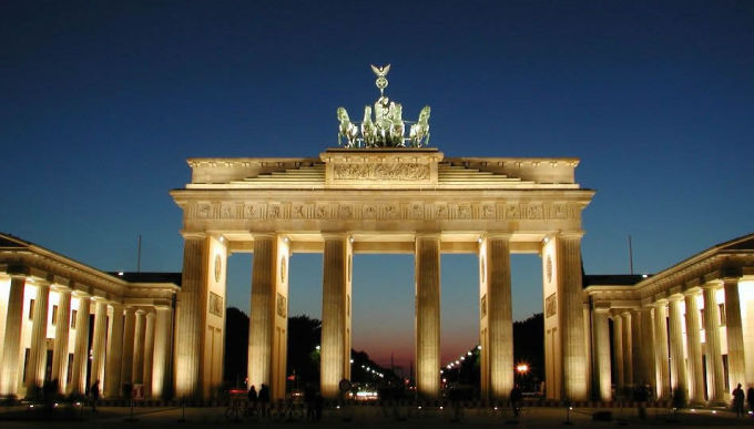 Summit Germany buys Fortress portfolio